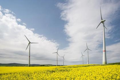 RENEWABLES NEED INVESTMENT $2.55 TLN